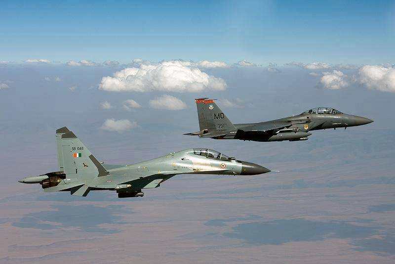 McDonnell Douglas F-15 vs Sukhoi Su-27