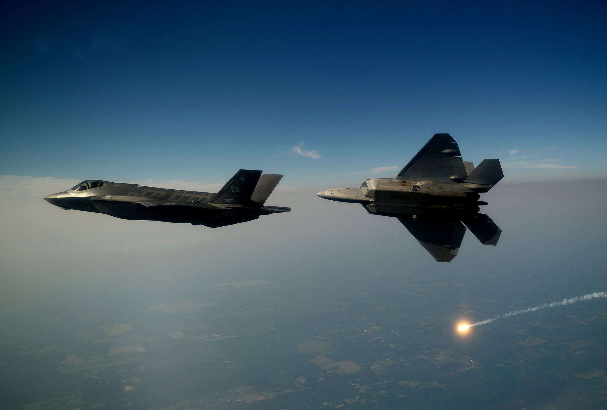 Fifth generation aircraft - Lockheed Martin F-22 Raptor