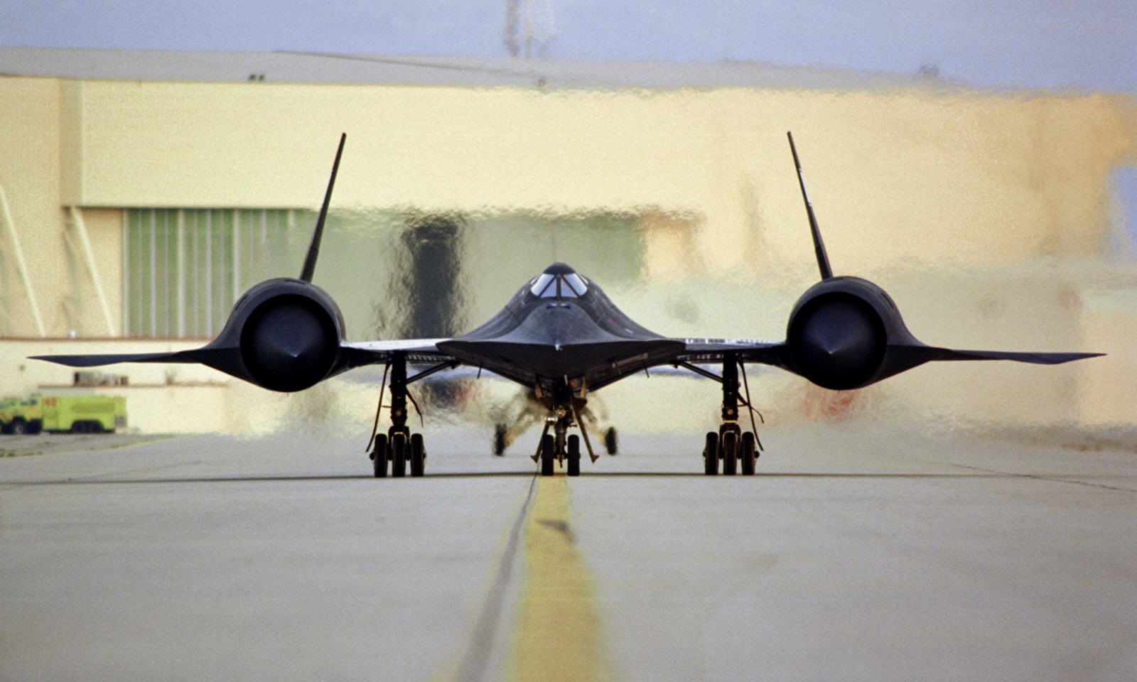 The fastest Plane in the World – SR-71 Blackbird