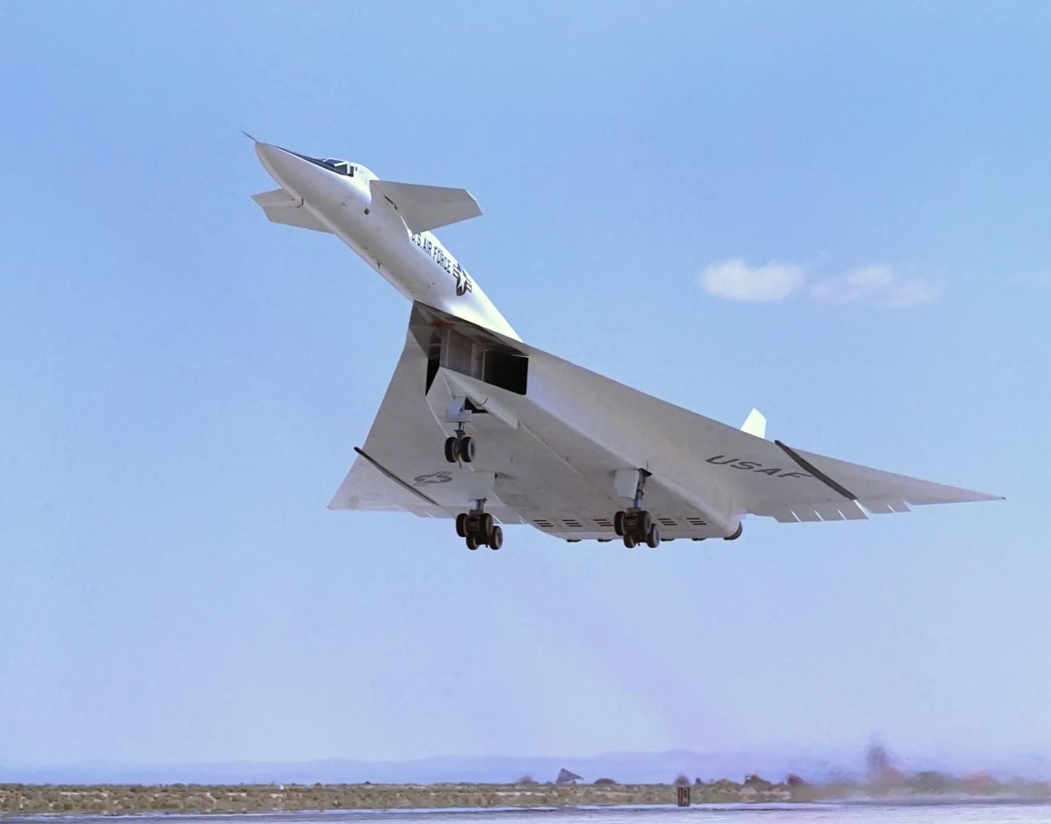Mach 3 Bomber Valkyrie