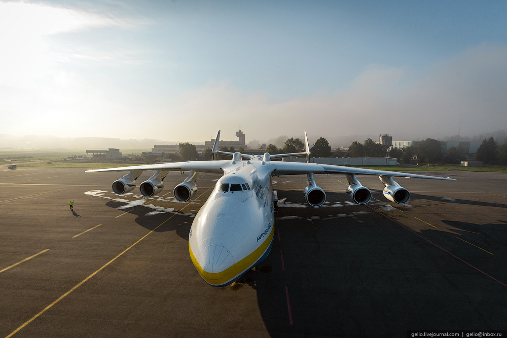 The largest Aircraft in the World – AN-225