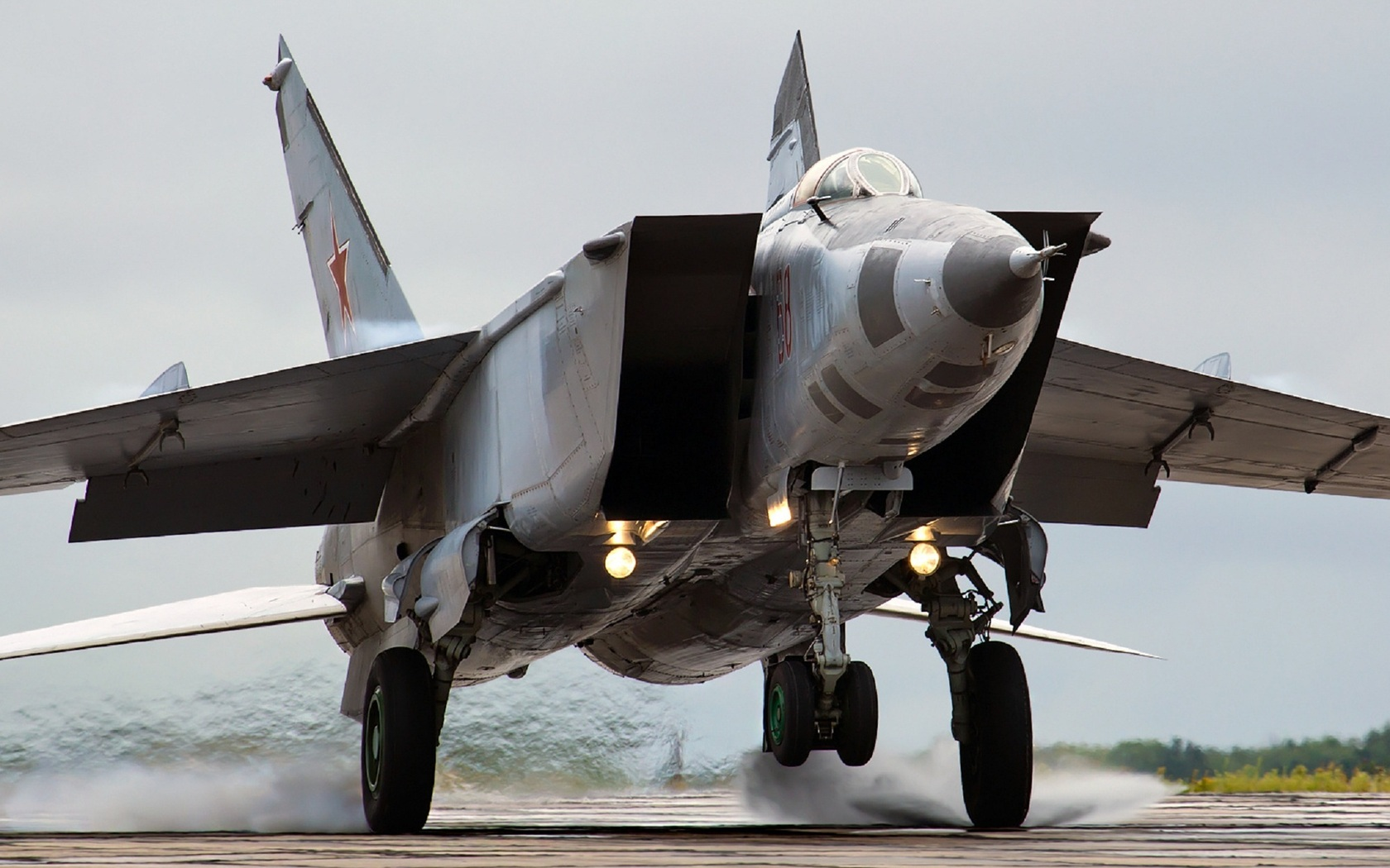 Mikoyan MiG-25, the Original Soviet Rat Rod