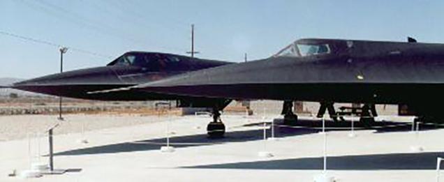 A-12 Oxcart vs SR-71 Blackbird