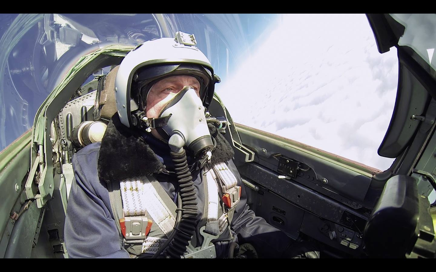 How to fly MiG-29 without being a pilot